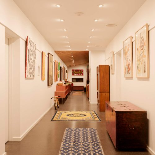 Opat Architects Couryard House Somers main corridor